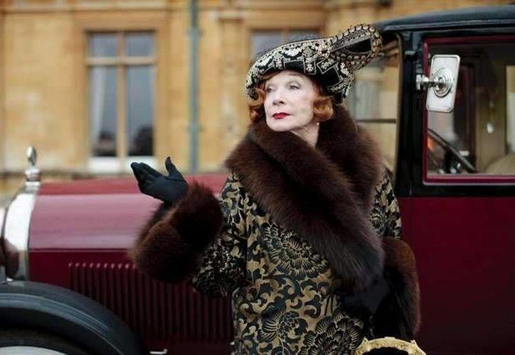 Shirley MacLaine como Martha Levinson en Downton Abbey. (Agencias)