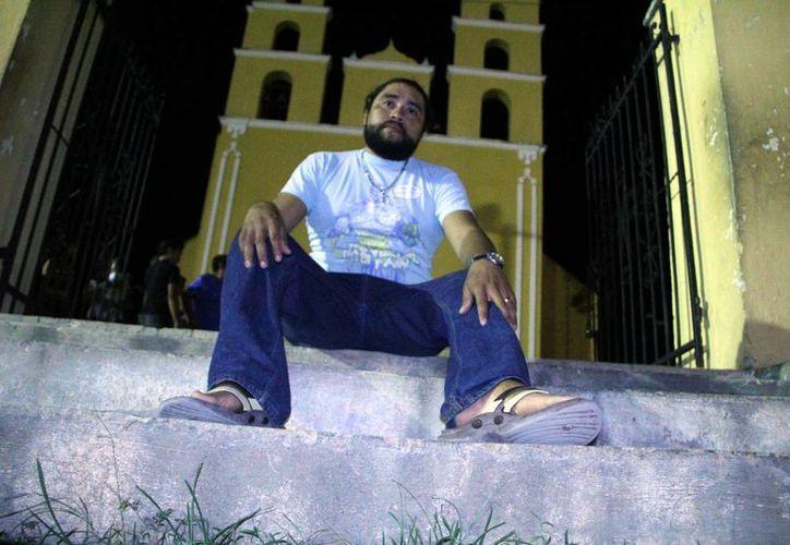 Por octava ocasión, el joven Jaime Estrella Escalante representará a Jesucristo en el vía crucis viviente de Acanceh. (José Acosta/SIPSE)