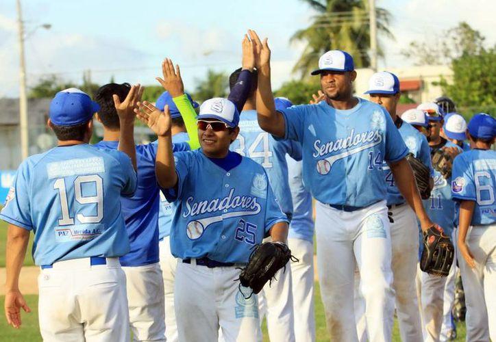 El equipo Senadores ganó 8x1 a  Zorros de Pacabtún, en la jornada 8 de la Liga Meridana. (Milenio Novedades)