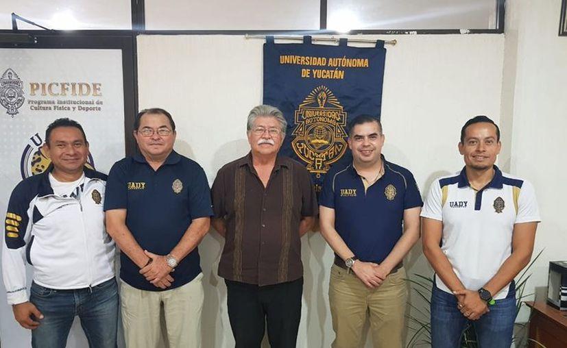 Unen esfuerzos para enseñar fundamentos esenciales y metodología de trabajo en el deporte. (Foto: Novedades Yucatán)