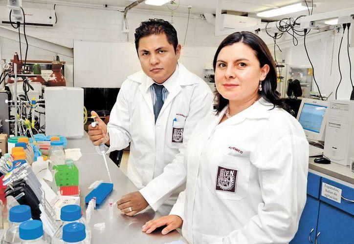 Claudia Benítez explicó que se logró matar el parásito en un periodo de 48 horas y lejos de dañar el epitelio vaginal protegen las células. (Milenio)
