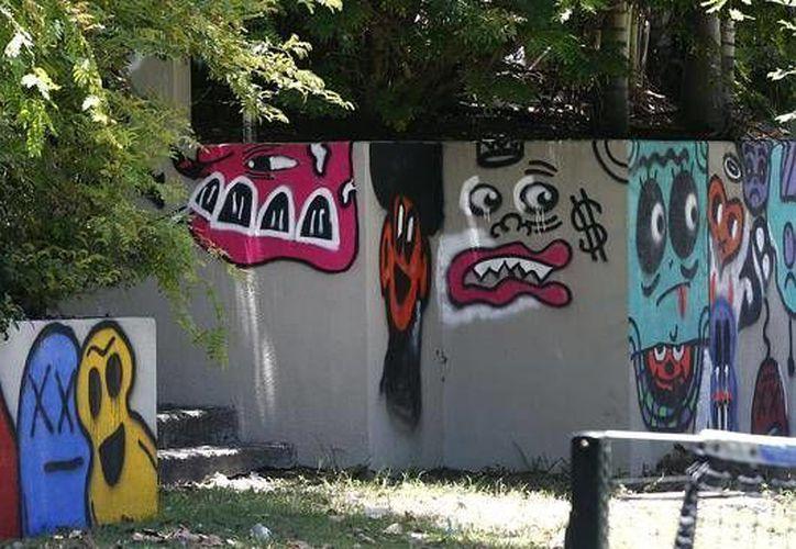 Los grafitis de Justin Bieber en Brisbane, Australia. (Agencias)