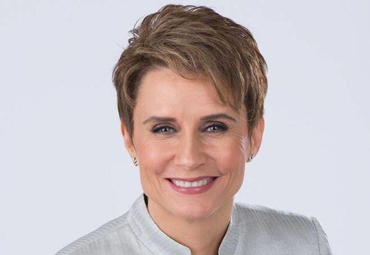 Televisa piensa quitarle la titularidad del noticiero nocturno a Denise Maerker, quien hace unos meses tomó el lugar de López Dóriga.(Foto tomada de Facebook/Denise Maerker)
