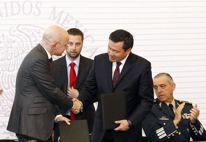 El gobierno federal y la cruz roja firmaron convenio
