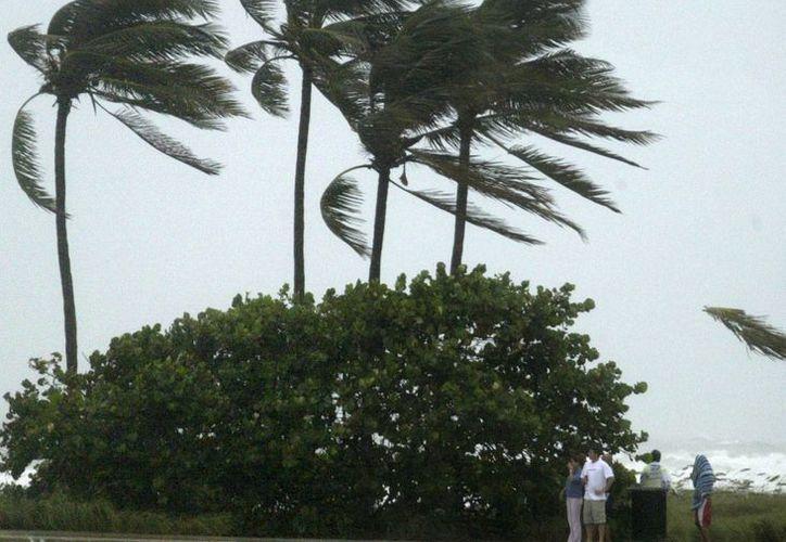 El huracán Matthew sube a categoría 3 en su avance por el Caribe Central. (EFE/archivo)