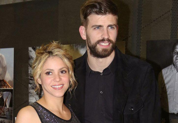 Son constantes las escapadas nocturnas donde se ha visto al jugador del Barcelona sin su esposa. (Foto: Revista Hola)