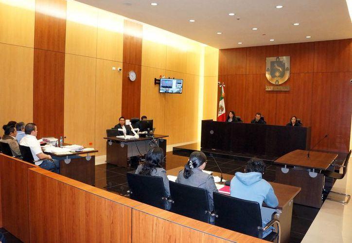 Yucatán, al igual que Durango, Nuevo León, Veracruz, Coahuila y Ciudad de México, entre otras entidades, implementa este nuevo modelo de justicia para sustituir al anterior. Imagen de un juzgado en Mérida. (Milenio Novedades)