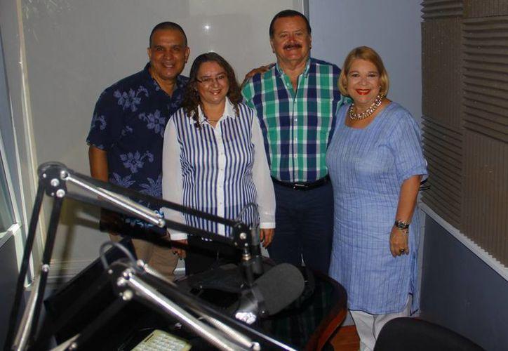 """Conductores e invitados al programa """"Salvemos una vida"""". (Juan Albornoz/SIPSE)"""