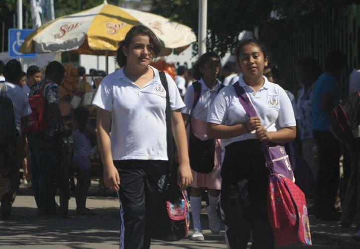Destacan la capacitación de docentes en coordinación con el Sindicato Nacional de Trabajadores de la Educación. (Harold Alcocer/SIPSE)