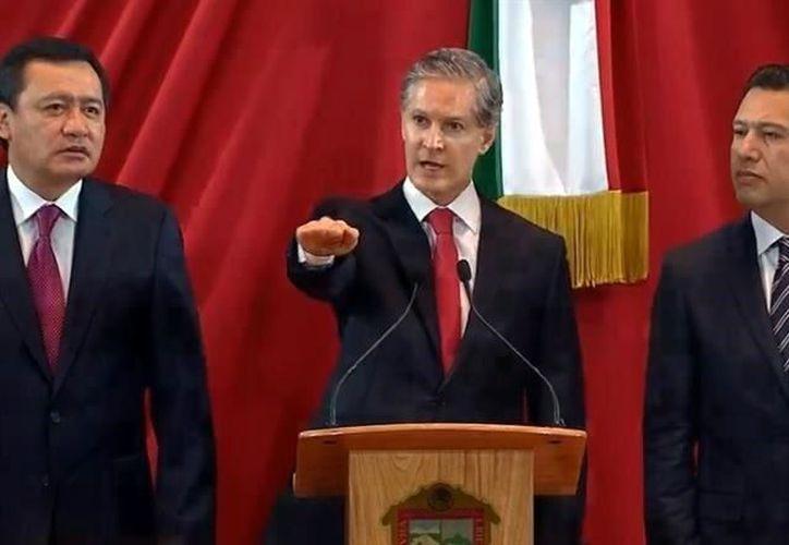 Miguel Ángel Osorio Chong, titular de la Secretaría de Gobernación (Segob), asistió a la ceremonia. (El Mañana de Nuevo Laredo)