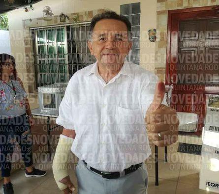 Vota José Luis Pech, candidato al Senado