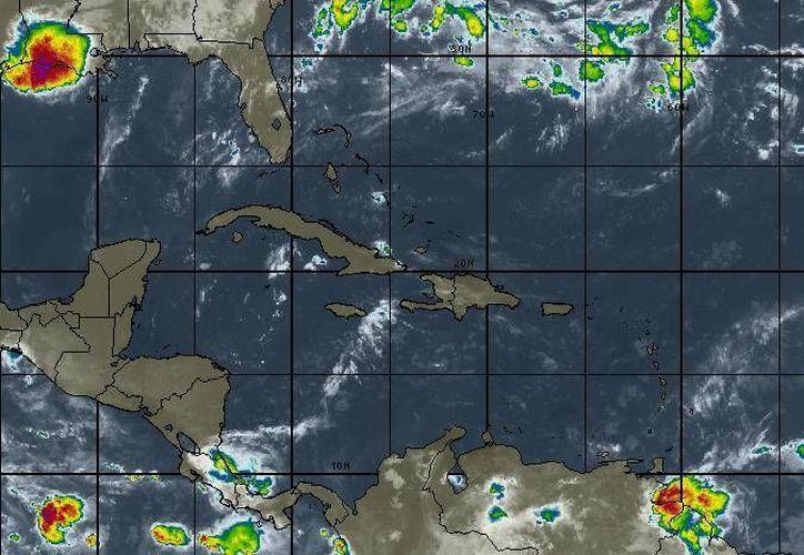 En Cancún se pronostica cielo mayormente soleado con vientos de entre 15 a 30 kilómetros. (Intellicast)