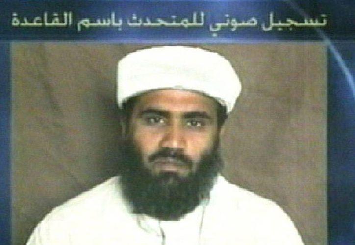 Imagen de vídeo que muestra al yerno de Osama Bin Laden, Suleimán Abu Ghaith. (EFE/Archivo)