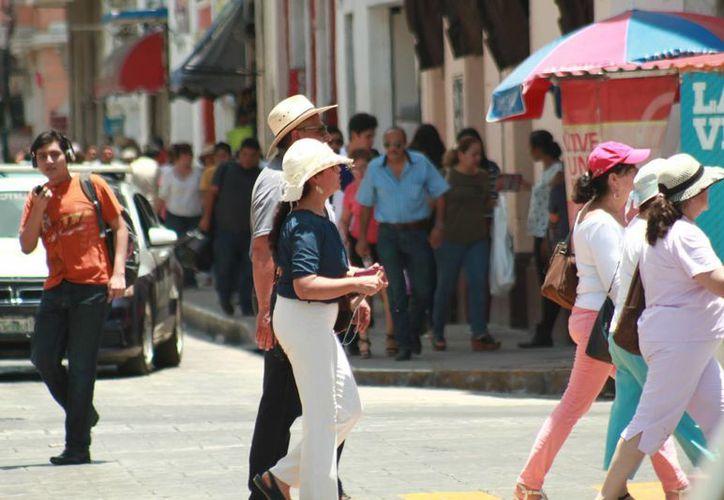 La Conagua prevé calor durante el día y lluvias vespertinas en Yucatán para este fin de semana. (Jorge Acosta/Milenio Novedades)