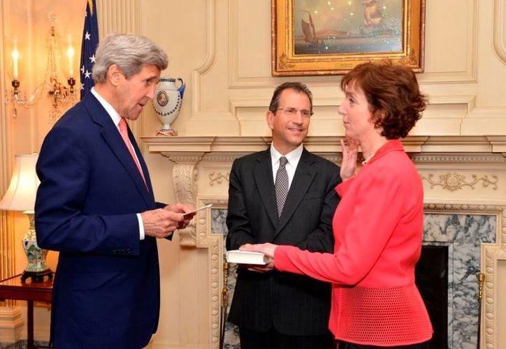 John Kerry expresó su confianza en el desempeño diplomático de Roberta Jacobson. (Twitter.com/@JohnKerry)