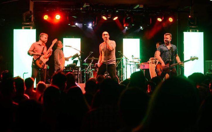 Los Amigos Invisibles ultiman detalles de su último disco y será en la Ciudad de México donde cierren el año. (Facebook/ LAI)