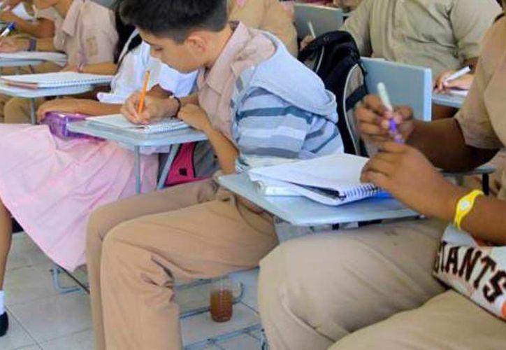El próximo cuatro de julio se conocerá el resultado final sobre cuántos planteles de educación básica optaron por ejercer el calendario escolar de 185 días y cuántas el de 200 días. (SIPSE)