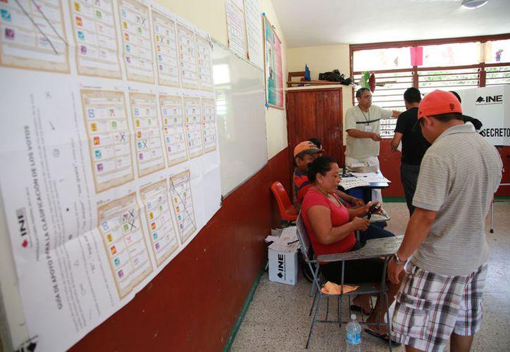 La convocatoria del INE para acreditaciones cierra el próximo 31 de este mes. (Redacción/SIPSE)