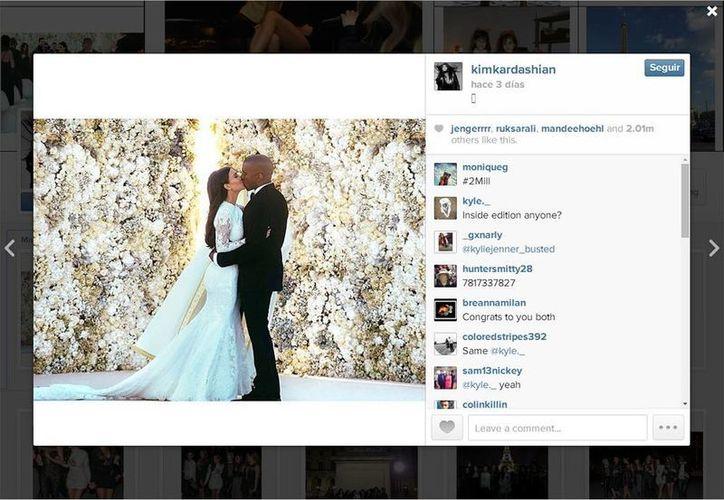 """El portavoz europeo de Instagram informó que el viernes la imagen publicada en la cuenta de Kardashian recibió 1.96 millones de """"me gusta"""", y se convirtió en la más popular del sitio hasta ahora. (Instagram/kimkardashian)"""