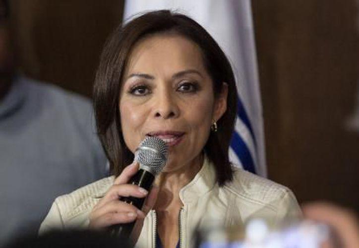 """El equipo de la candidata informó que """"la PGR entregó a Vázquez Mota la constancia de que no forma parte de ninguna investigación. (El Financiero)"""