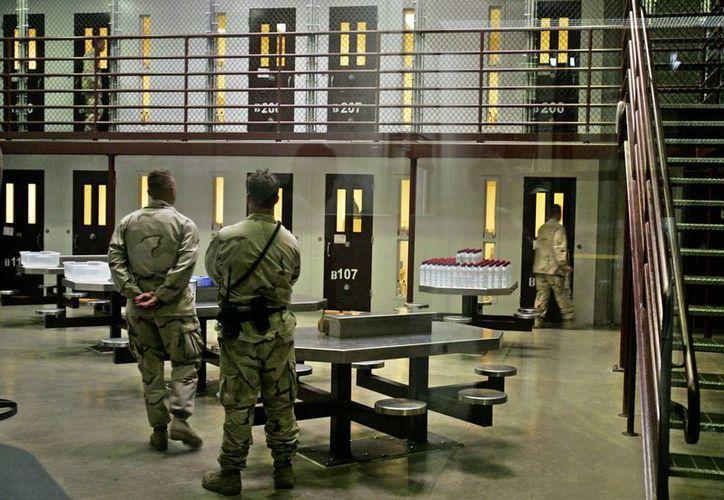 """Los guardias de seguridad de la cárcel dispararon """"balas no letales"""" a los reos amotinados. (Archivo)"""