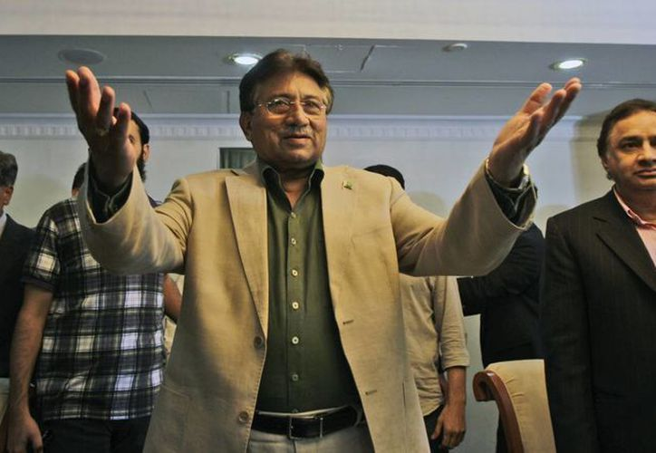 Musarraf celebra el día nacional de Pakistán en el marco de su viaje a Karachi. (Agencias)