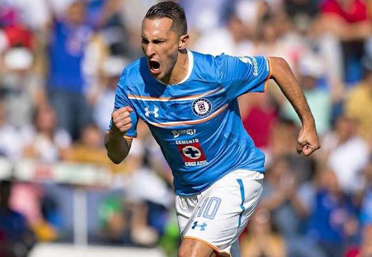 Christian 'Chaco' Giménez no realizará el viaje para el duelo amistoso entre Cruz Azul y Pumas, ya que padece de molestias físicas.(Foto tomada de Futbol Total)