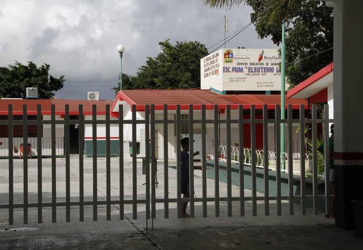 Varias escuelas continúan cerradas en Benito Juárez. (Tomás Álvarez/SIPSE)