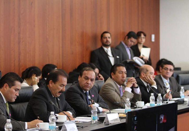 Preocupa a los legisladores que los estados tengan sus propios criterios en juicios orales. (Archivo/Notimex)
