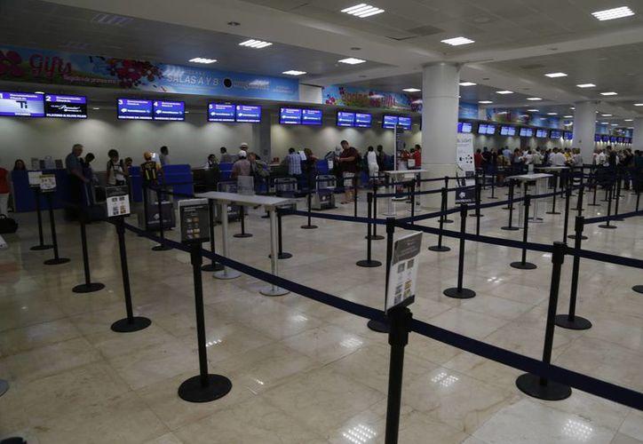 Anuncia Profeco instalación de un módulo de atención en el aeropuerto de Cancún. (Israel Leal/SIPSE)