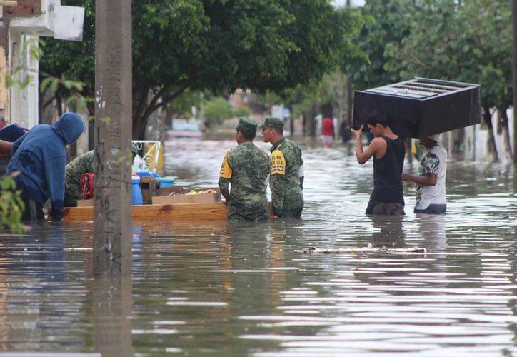 Varias familias resultaron afectadas por las inundaciones. (vanguardia.com)