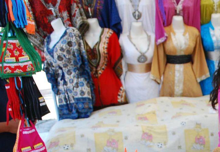 Ofertarán productos como ropa, calzado, accesorios para dama, óptica, piñatas, entre otros. (Tomás Álvarez/SIPSE)