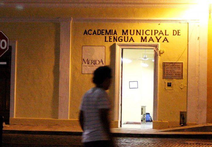 Entre las áreas de la Comuna que apoyan a los estudiantes están: regularización y red de bibliotecas. (SIPSE)