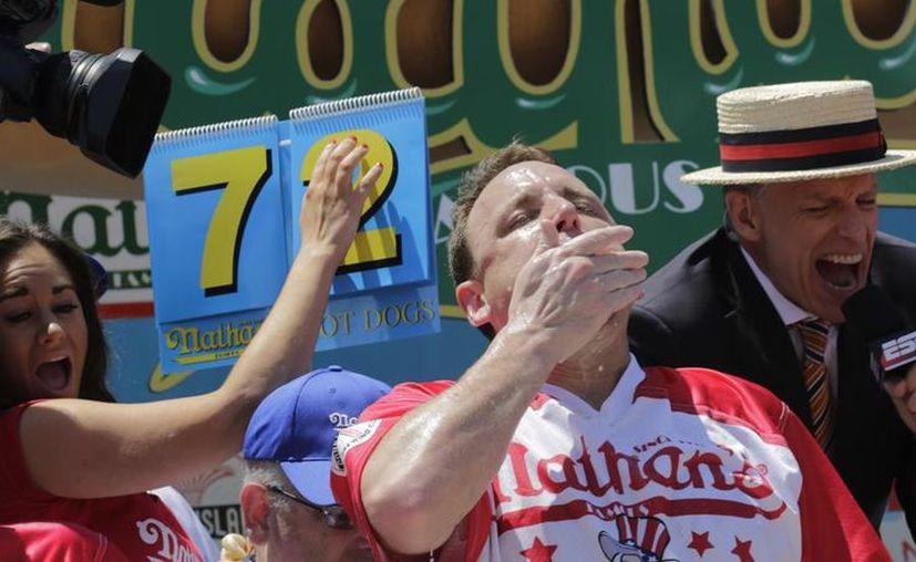 Chesnut, de 33 años, empezó en 2005 cuando participó por primera vez en la comilona de hot dogs. (Foto: AP)