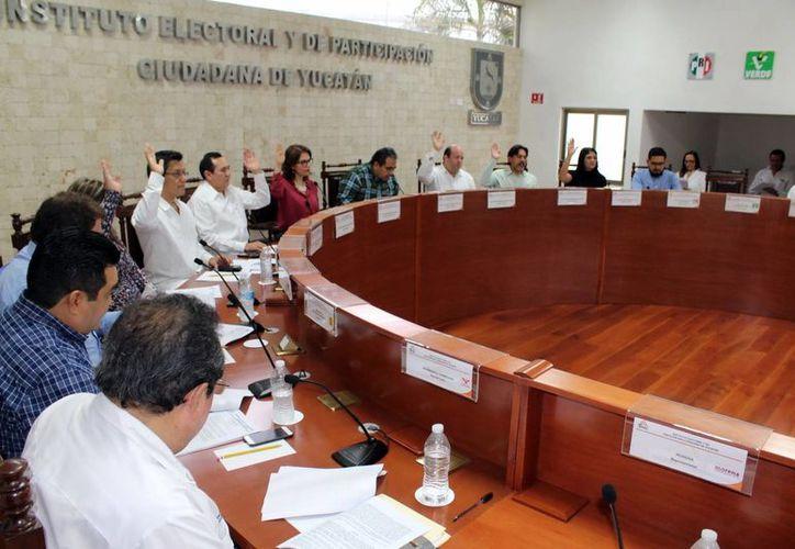El Iepac ordenó publicar el catálogo de obras trascendentales del 2016 presentados por 103 Ayuntamientos, el Poder Ejecutivo y el Poder Legislativo. (Milenio Novedades)