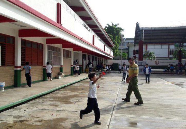 Más de la mitad de las escuelas no promueven una educación incluyente. (Redacción)
