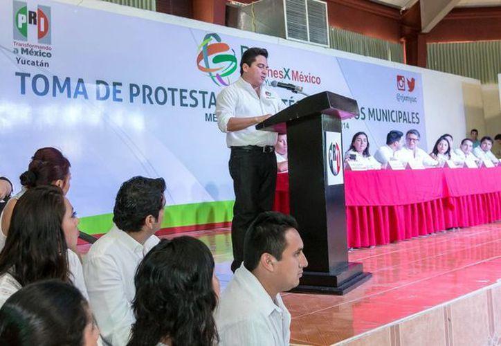 Carlos Pavón Flores, presidente estatal del PRI, resaltó el compromiso de su partido con la juventud. (Milenio Novedades)