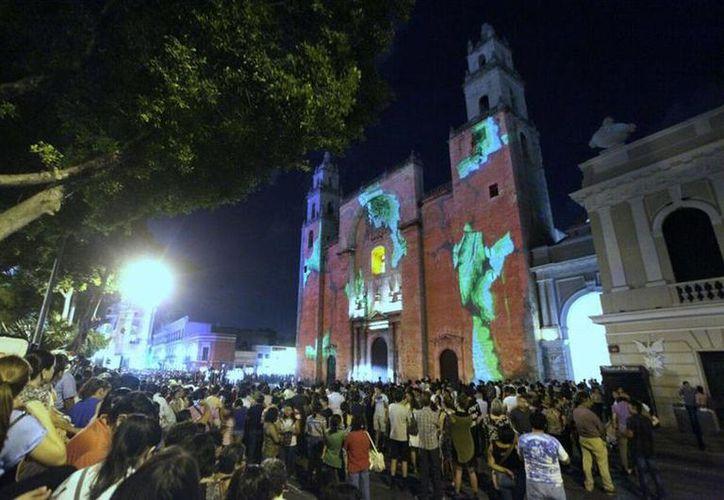 El Ayuntamiento de Mérida ya trabaja en el programa cultural y artístico que se ofrecerá durante la próxima Noche Blanca. (Archivo/ SIPSE)