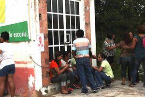 Policías recuperan oficinas de Servicios Educativos