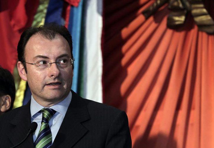 Videgaray aseguró que el paquete del Ejecutivo propone un ejercicio fiscal sin déficit. (Archivo Notimex)