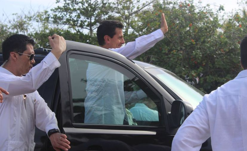 El presidente llegó acompañado del gobernador Carlos Joaquín González. (Sara Cauich/ SIPSE)