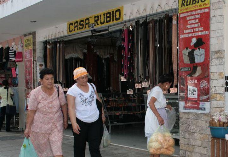 Lo malo no es gastar, sino adquirir cosas que no son prioritarias, resalta Sofía Macías, vocera de 'Consumo Inteligente' de MasterCard. (SIPSE)
