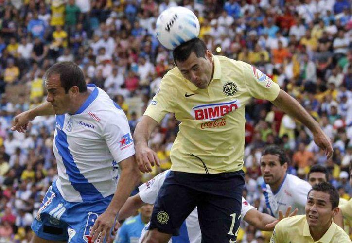 Cuauhtémoc Blanco (i), surgido de las Fuerzas Básicas de América, jugará con Puebla este martes la final de Copa MX para despedirse del futbol profesional. (yodeportes.com)
