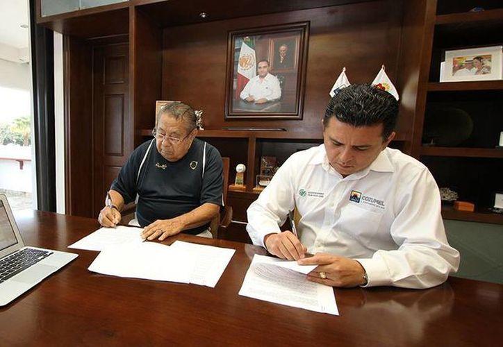 La página del cronista vitalicio de la ciudad, Velio Vivas Valdés, ya está integrada al sitio web oficial del Ayuntamiento.  (Redacción/SIPSE)