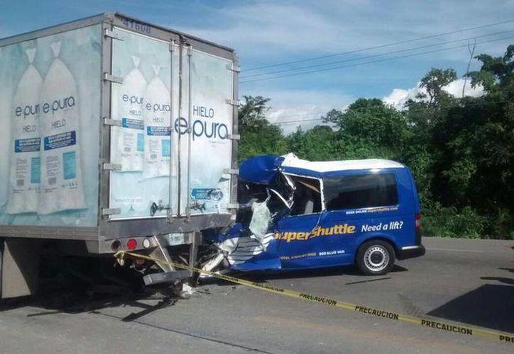 El accidente se registró después de las 13 horas. (Twitter/@davidoevm)