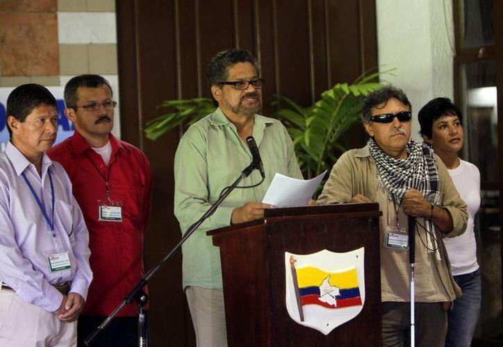 El vocero de las FARC, Iván Márquez, refrendó el compromiso de la guerrilla para el cese al fuego. (AP)