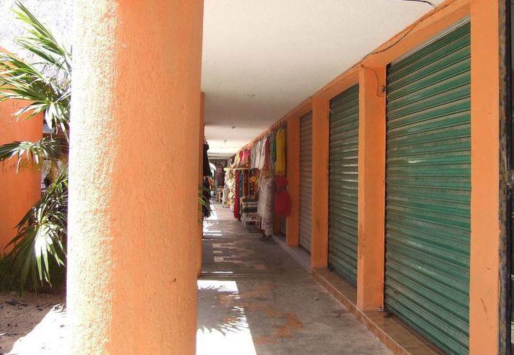 Varios locales han cerrado por la alta tarifa que se aplica. (Rossy López/SIPSE)