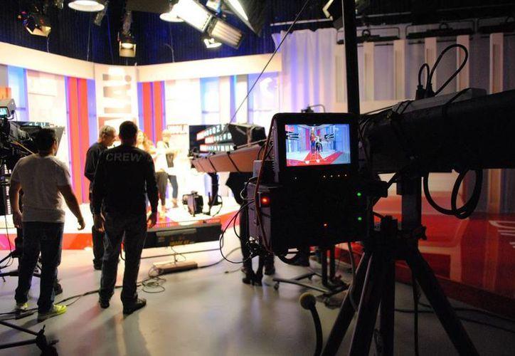 """El canal de televisión Hola TV realizó un balance """"satisfactorio"""" con una programación basada en """"la información de calidad y el respeto"""". (EFE)"""