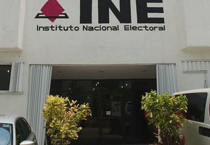 Autoridades del INE dicen que los que impugnaron la ubicación de las casillas, ya sabían la determinación de su dirigencia nacional. (Harold Alcocer/SIPSE)