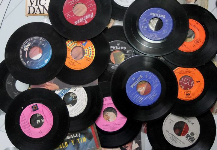 Los discos de vinilo regresan con fuerza a la arena comercial. (Notimex)